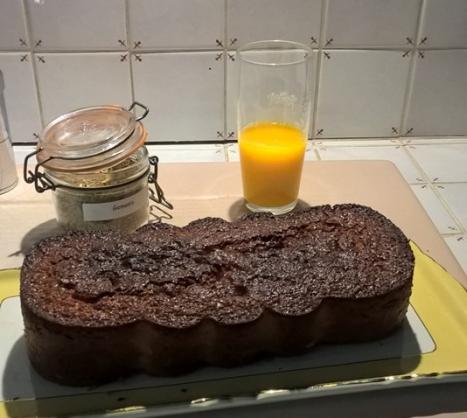 Cake vitaminés et jus ainsi que Gomasio de Monique RICHARD